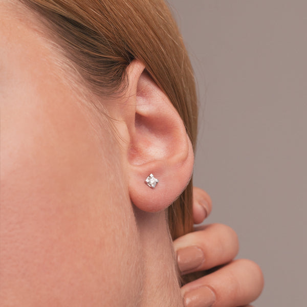 Tiny Diamonds Earrings-Comercianti De Diamante