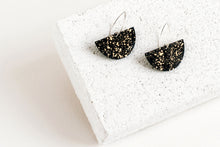 Load image into Gallery viewer, Boat Earring Black Fleck