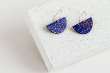 Load image into Gallery viewer, Boat Earring Indigo Fleck