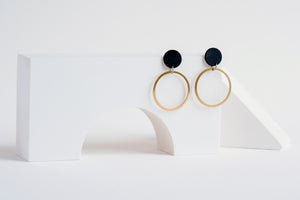 Orbit Earring Black