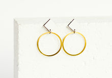 Load image into Gallery viewer, Rhombus Earring White