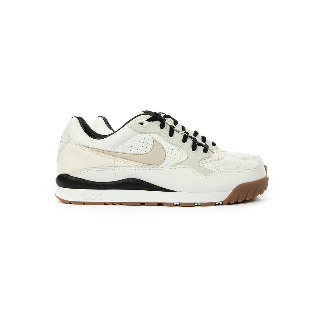 b5654ef46a Nike. Nike Air Wildwood ACG (Summit White/LT Orewood Brn-Sail)
