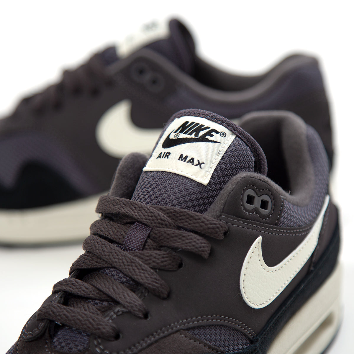 413ccc2dee Nike Air Max 1 (Thunder Grey/Sail-Sail-Black). AH8145-012 ...