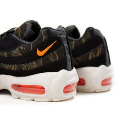 Nike Air Max 95 WIP Carhartt (Black/Total Orange-Sail)