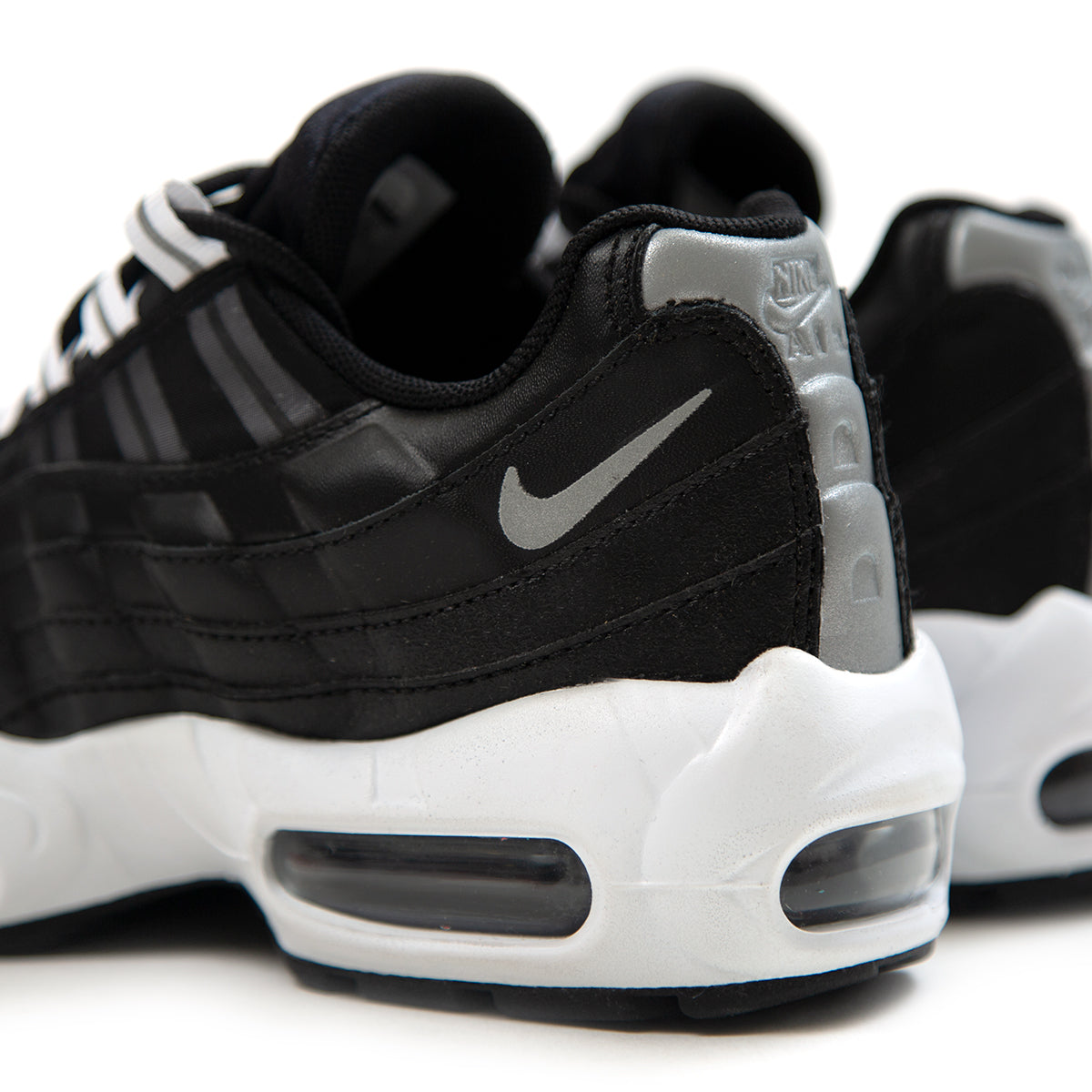 Details about New Nike Air Max 95 Black Reflective SilverWhite women's Size 6 307960 020