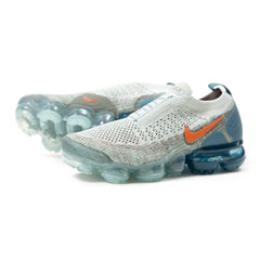 Nike Womens Air Vapormax Flyknit Moc 2 (Light Silver/Campfire Orange/Dark Stucco)