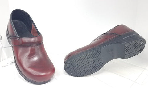 Dansko Burgundy Women Clogs/Mules Shoes Size 42