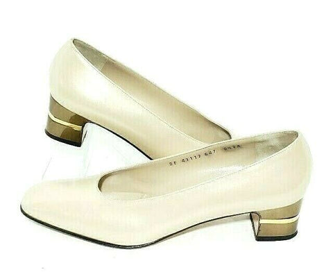 Salvatore Ferragamo Women Heels/Pumps Gold Logo Band Size 8.5 AA