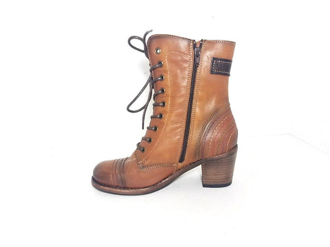 Taos Combat Brown Leather Ankle Women Fashion Boots Size 8
