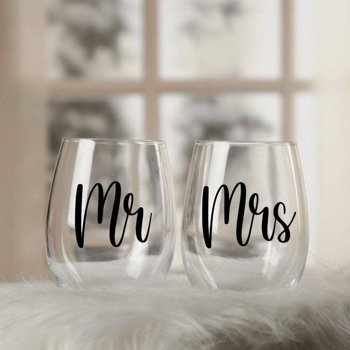 Mr and Mrs Wine Glass Set