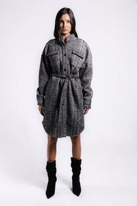 Lenon Collection.Dual face fabric Inside: warm cozy fur-like texture. Outside: plaid texture. Grey and black with Self tie.