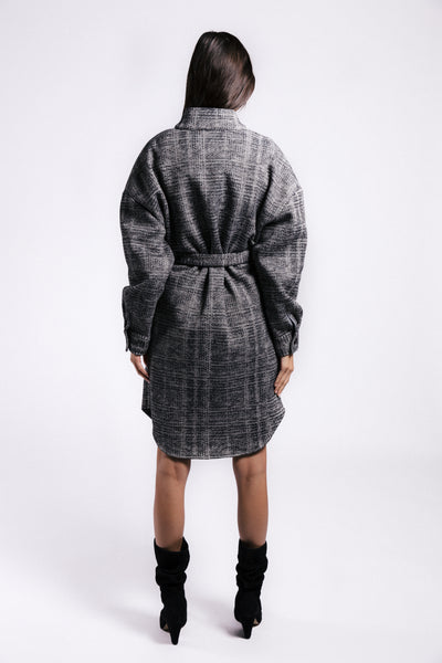 Lenon Collection. Dual face fabric Inside: warm cozy fur-like texture. Outside: plaid texture. Grey and black with Self tie.