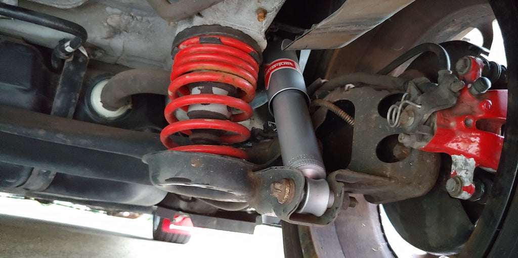 Tutorial - Installing KYB Sport Rear Shocks
