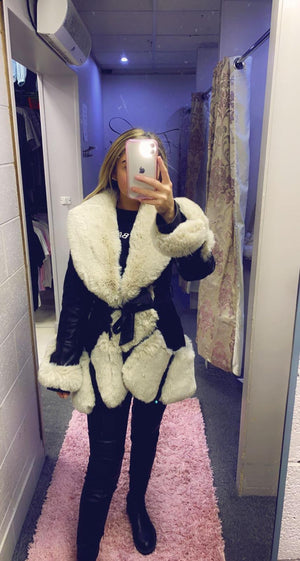 Long Pu Belted Jacket With Beige Faux Fur