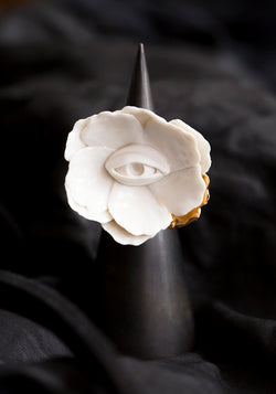 Gilded Porcelain Blooming Eye Peony Ring