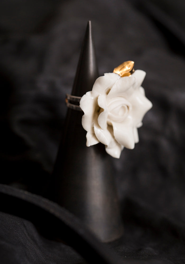 Bold Gilded Porcelain Blooming Eye Ring