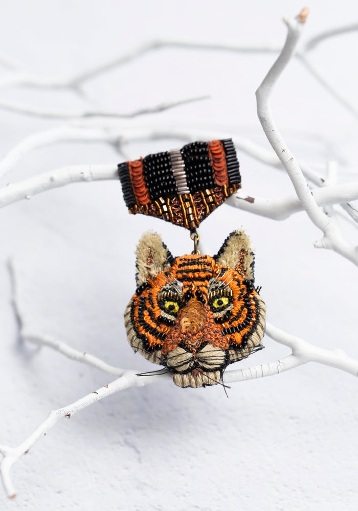Embroidered Tiger Honor Medal Pin