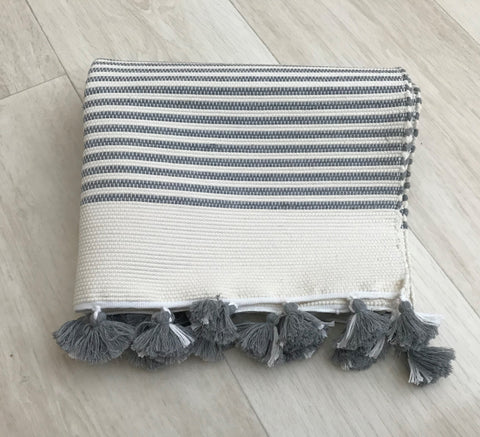 MOROCCAN BATHMAT WITH TASSLES - LIGHT GREY