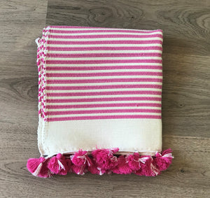 MOROCCAN BATHMAT WITH TASSLES - HOT PINK