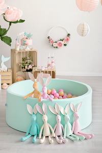 Big indoor mint ball pit with balls