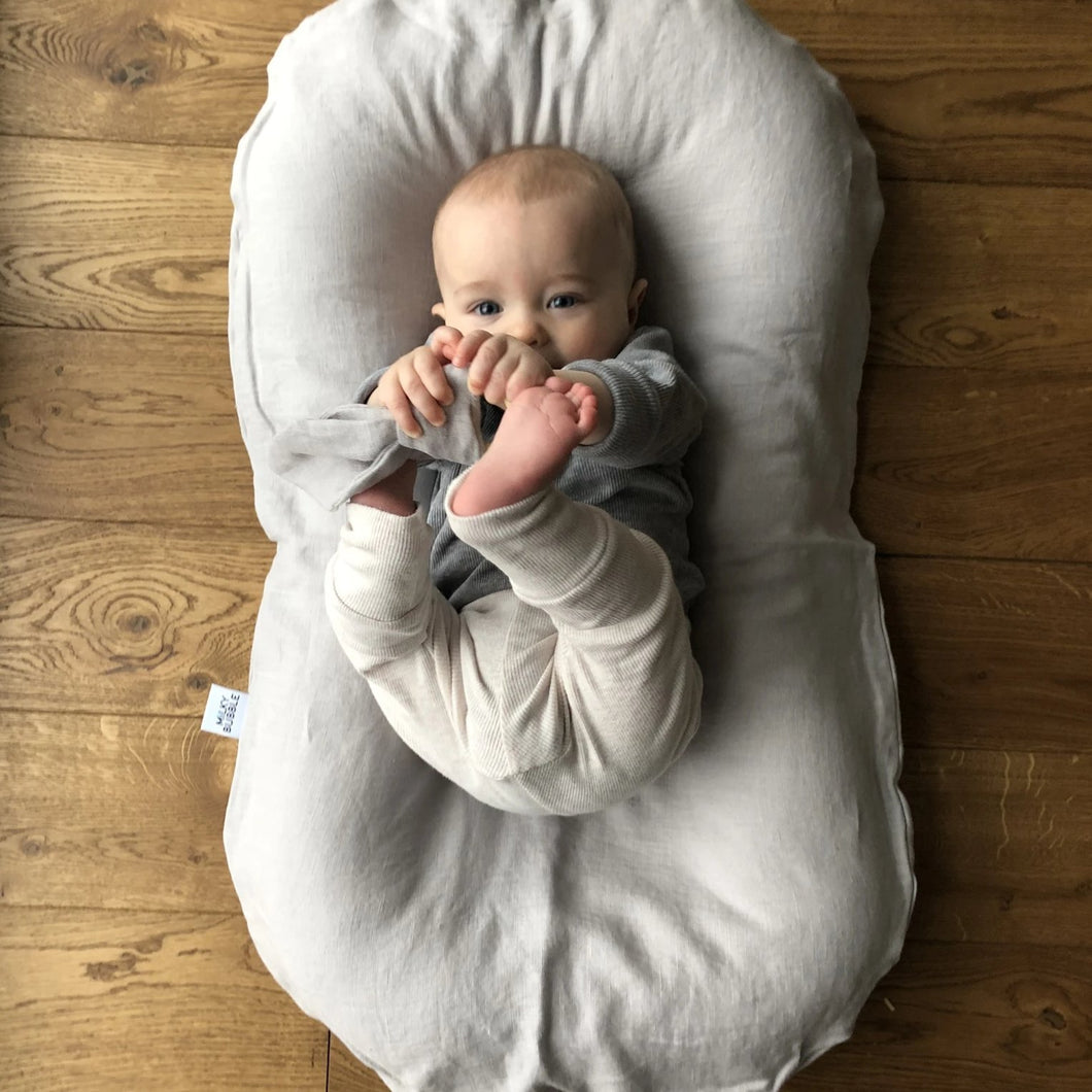 Light grey linen baby nest lounger
