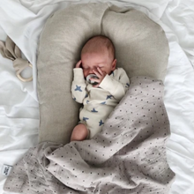 Natural linen baby nest lounger