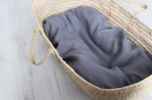 Baby nest - grey linen lounger