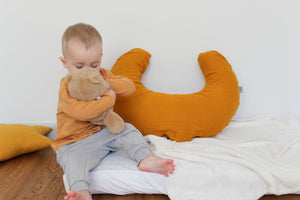 Moon shape baby feeding pillow