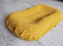 Baby nest - yellow cotton lounger