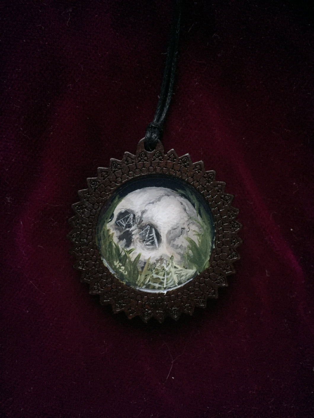 Wooden Death Garden Pendant - Skull with Cobwebs