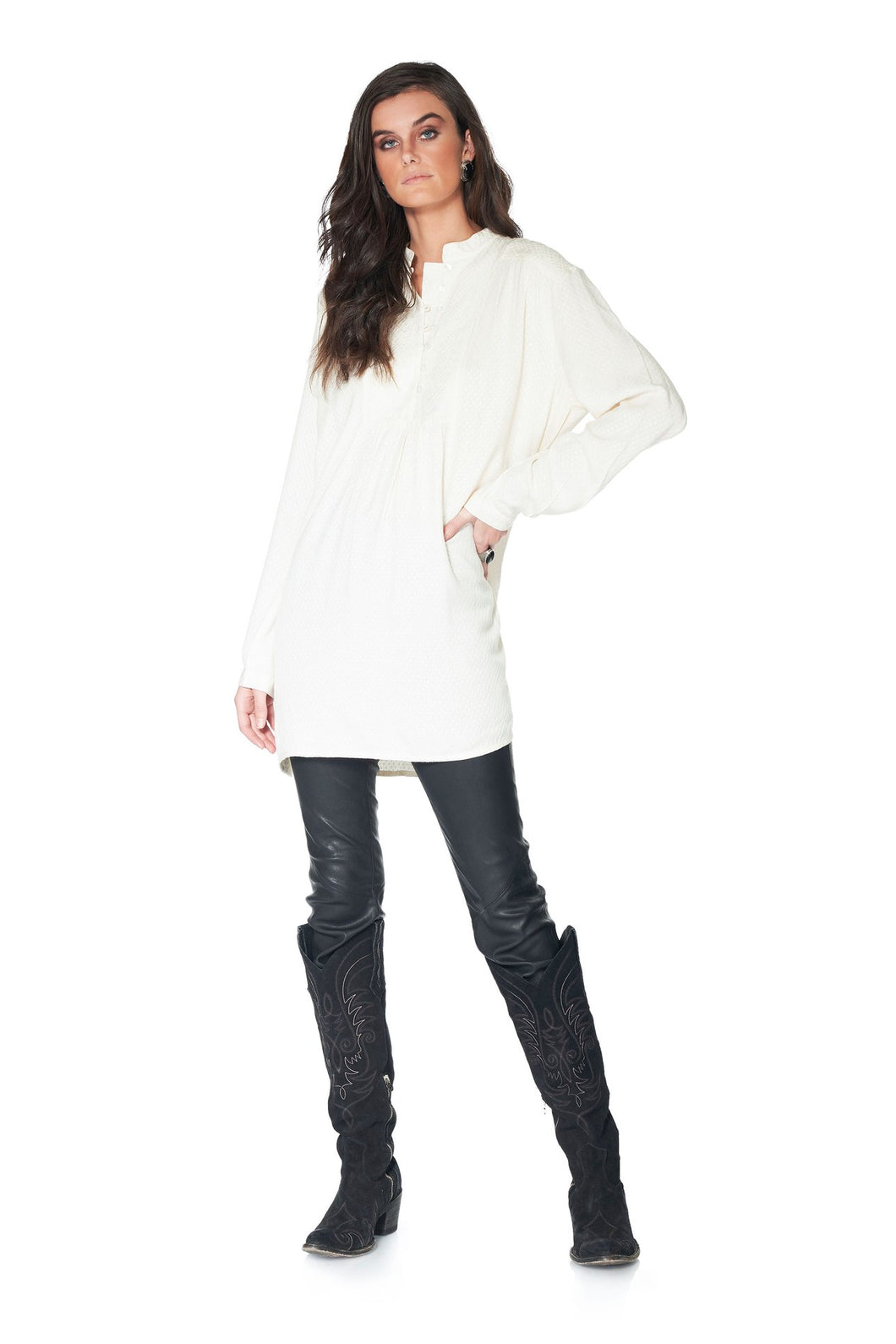 DDR Robles White Tonal Embrodiery Tunic at 6Whiskey six whisky Maria Spring T3414