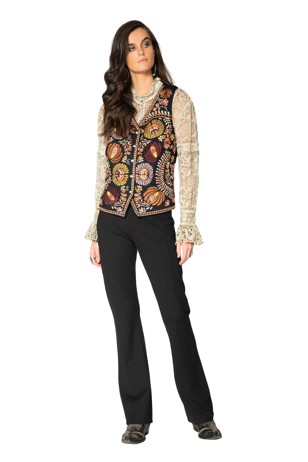 DDR Black and Embroidery Chiapas Vest at 6Whiskey six whisky Maira Spring 2021