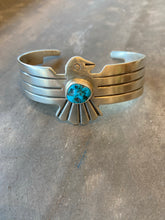 Load image into Gallery viewer, Thunderbird sterling silver bracelet six whisky turquiose stone modern Marfa