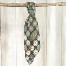 Load image into Gallery viewer, Scarf ~ Verde