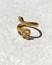 Load image into Gallery viewer, SNAKE GOLD RING
