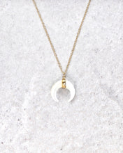 Load image into Gallery viewer, LUNULA NACRE NECKLACE