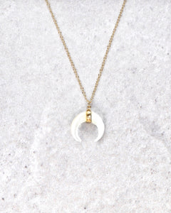 LUNULA NACRE NECKLACE
