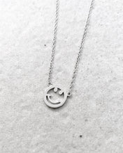 Load image into Gallery viewer, SMILE NECKLACE