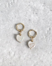 Load image into Gallery viewer, PEARL HEART EARRINGS