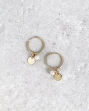 Load image into Gallery viewer, DADA PEARLS EARRINGS