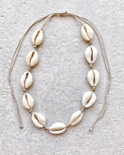 Load image into Gallery viewer, GOLD BEADS SHELL NECKLACE