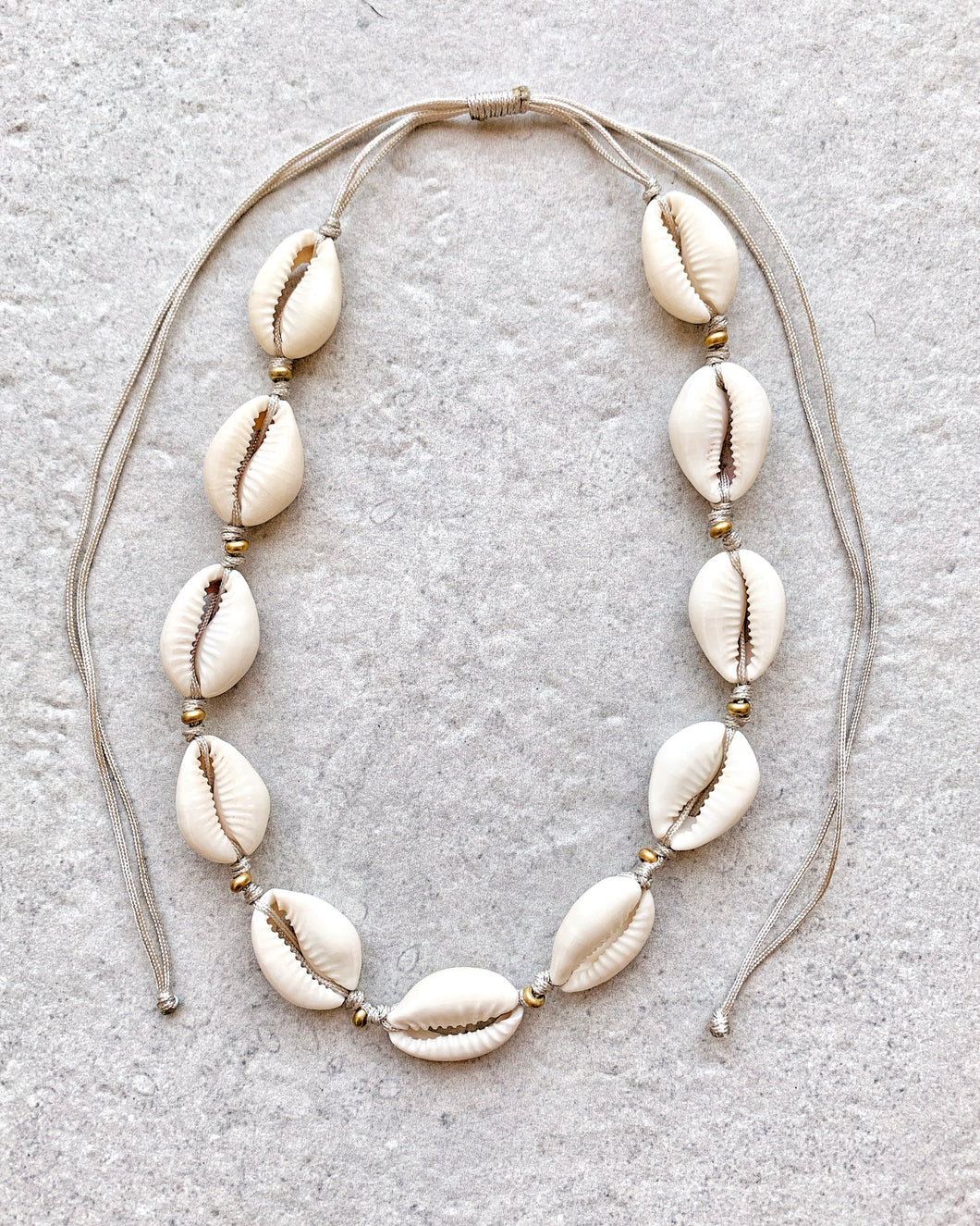 GOLD BEADS SHELL NECKLACE