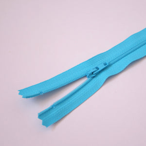 23cm 9 Inch Nylon YKK Dress Zip - 547 Light Turquoise