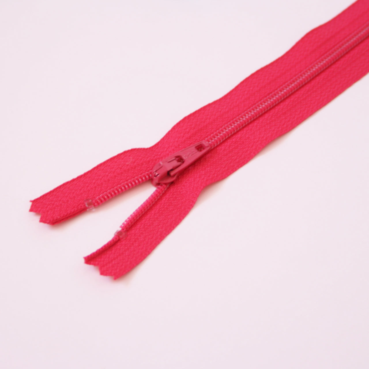 23cm 9 Inch Nylon YKK Dress Zip - 817 Cerise