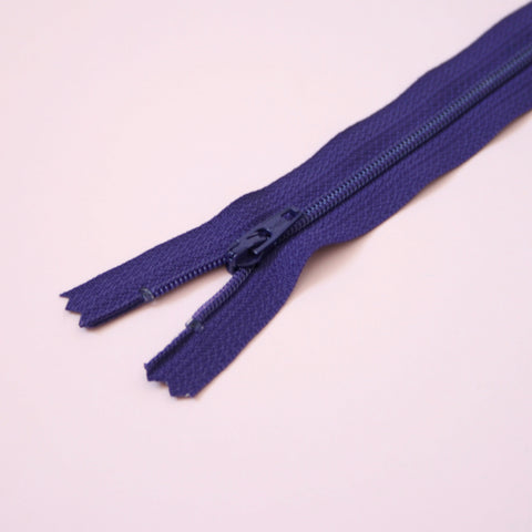 23cm 9 Inch Nylon YKK Dress Zip - 866 Purple