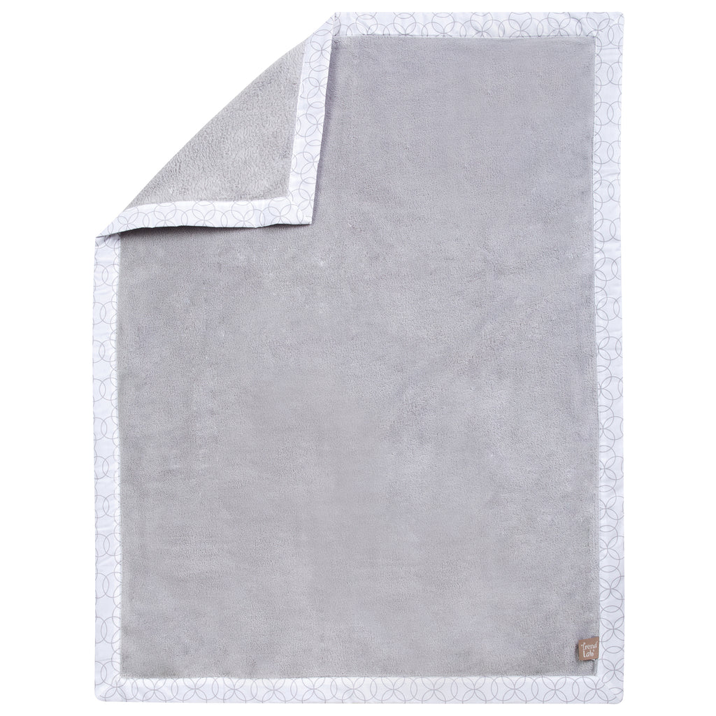 Circles Gray and White Framed Receiving Blanket101121$19.99Trend Lab
