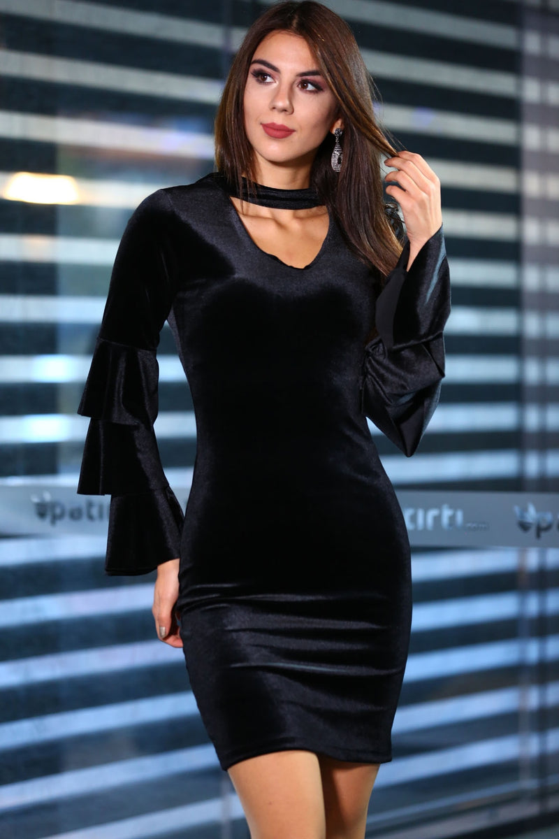 Black Velvet Dress (Size M)