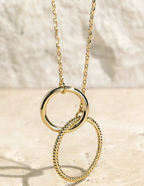 Double Ring Interlinked Short Chain Necklace- gold