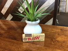 Load image into Gallery viewer, RAW Organic Hemp Connoisseur 1-1/4' Rolling Papers w/Tips