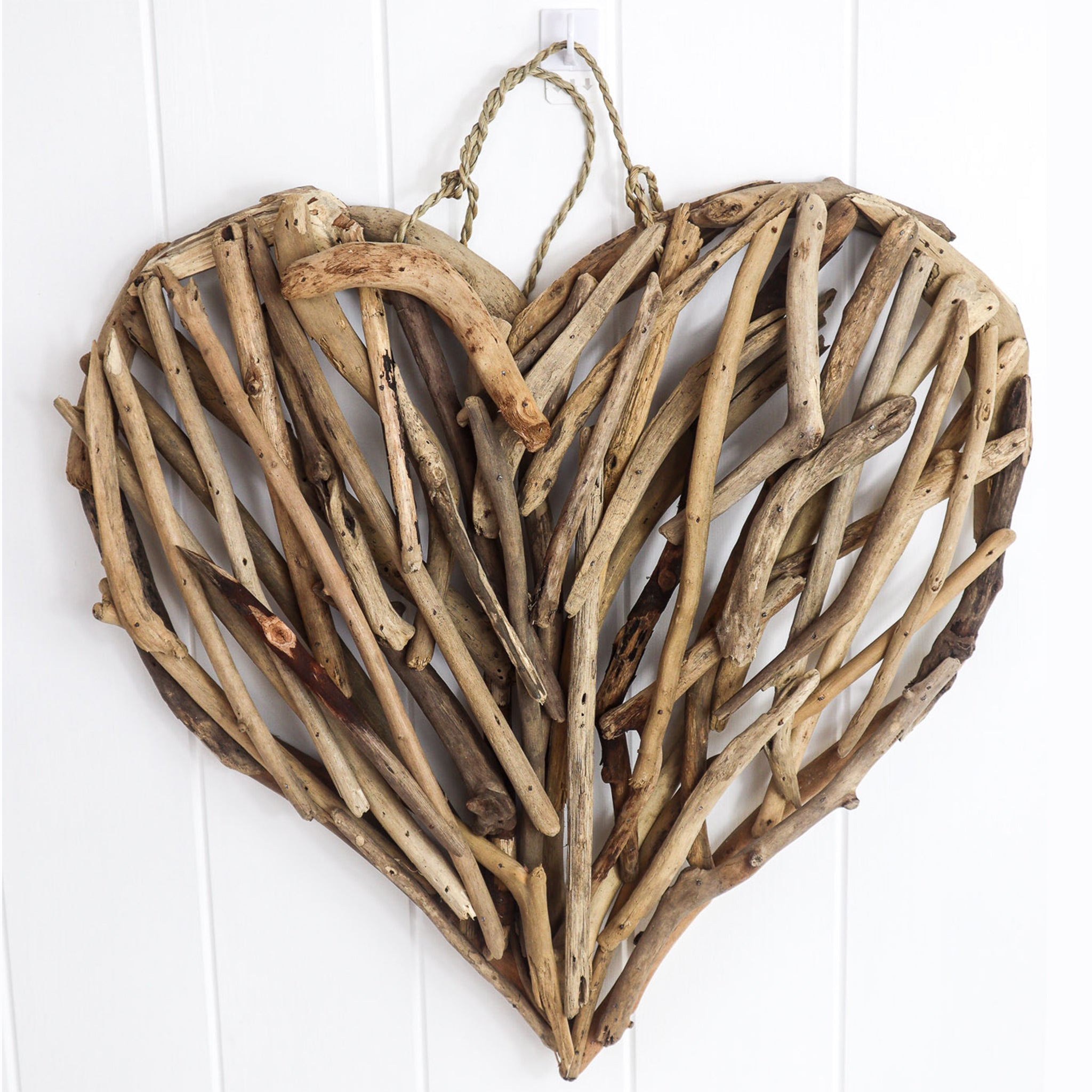 DRIFTWOOD HEART SHAPE WALL ART